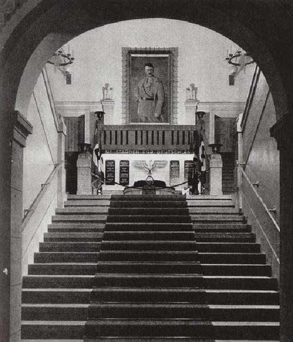 Treppenaufgang der Gauleitung Köln-Aachen in der Kölner Claudiusstraße 1