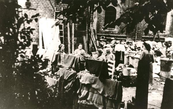 Juden im Sammellager Köln-Müngersdorf, zwischen 1942 und 1944