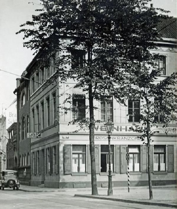 Weinhaus 'Rosenkränzchen' am Düsseldorfer Stiftsplatz, um 1930
